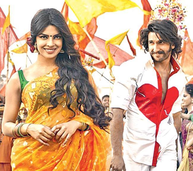 Priyanka Chopra and Ranveer Singh in 'Gunday'