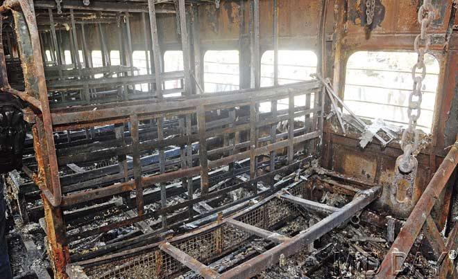 Fire on Mumbai-Dehradun Express