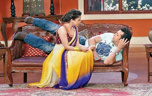 Sumona Chakravarti and Salman Khan