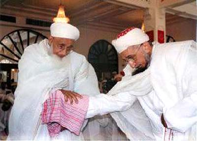 Late Syedna and (right) Qutbuddin