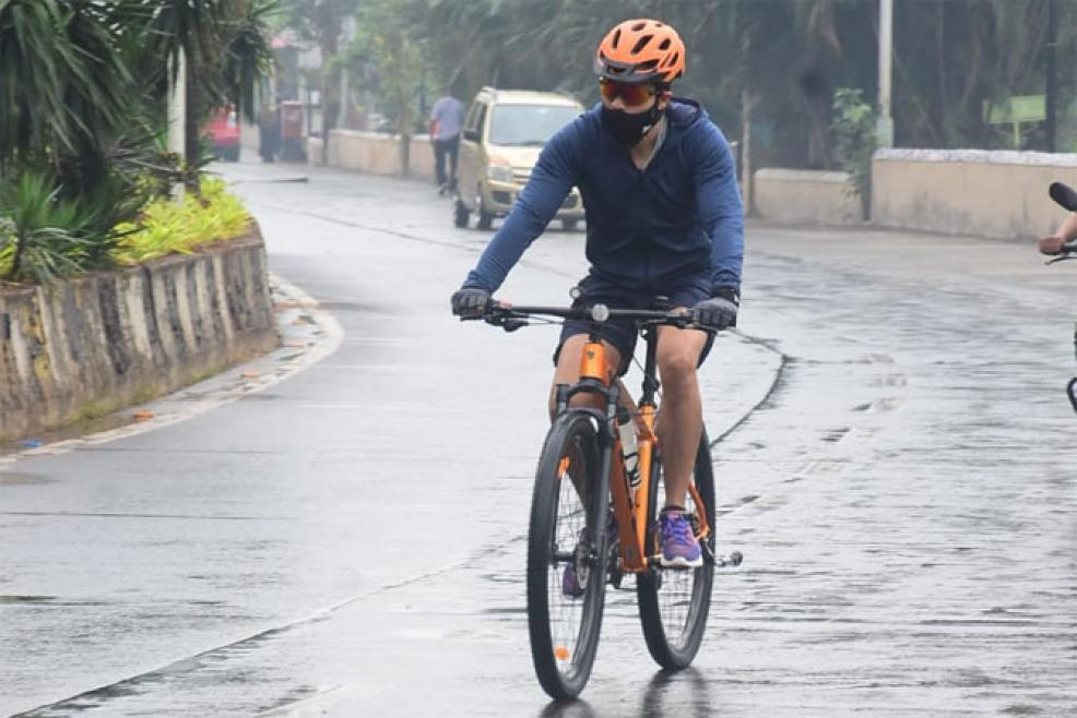 Emraan Hashmi Shares Video Of His 'Incognito' Bike Ride, Gets Praises From Fans