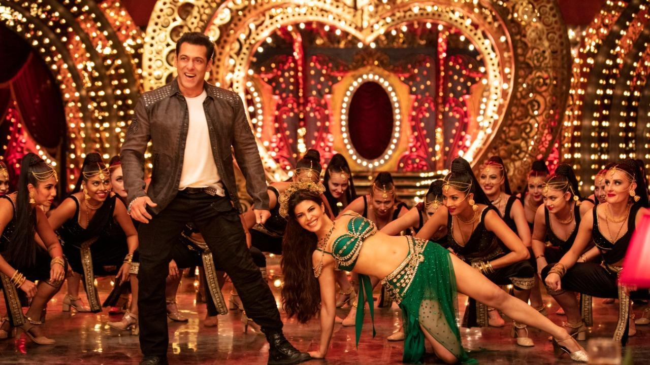 Teaser of Dil De Diya from Salman Khan`s Radhe out; Watch out for Jacqueline Fernandez`s sizzling moves