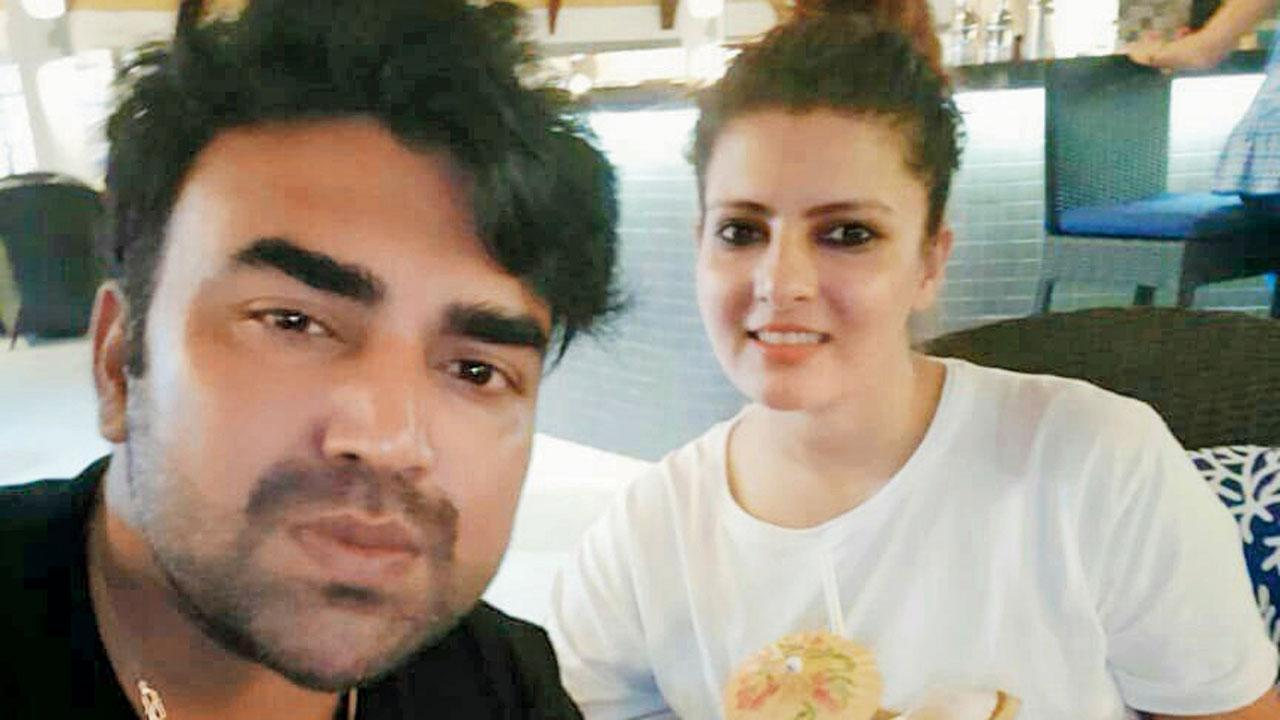 Mumbai: Wife learnt of actor Sandeep Nahar's death after suicide note went viral - Mid-day
