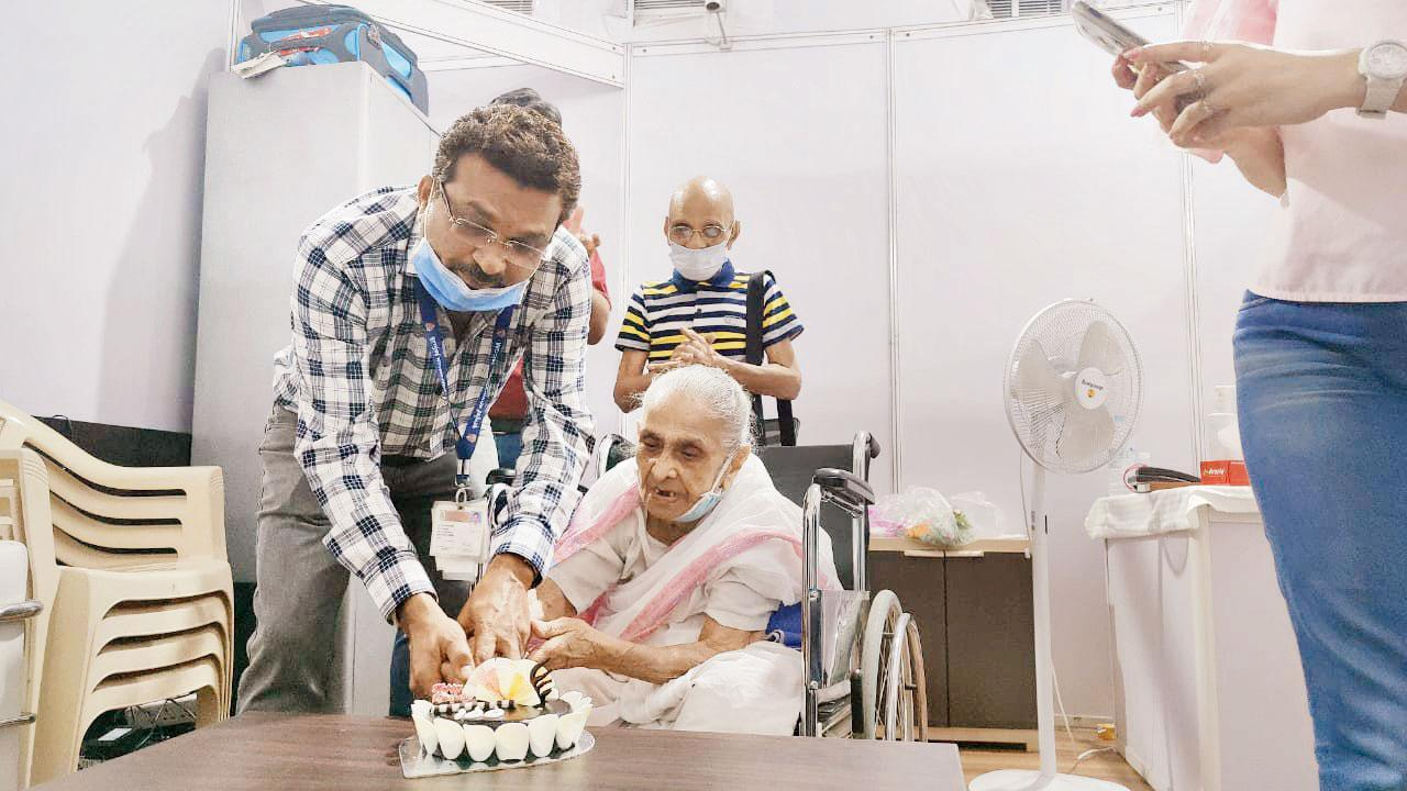 Mumbai: 100-year-old Vile Parle resident gets herself vaccinated - Mid-day